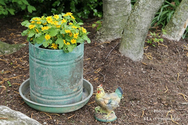 Repurposed chicken feeder planter for farmhouse decor - KnickofTime.net