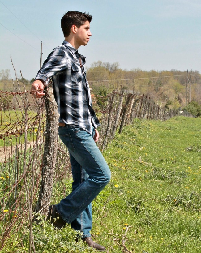 outdoor country rural farm senior photos | www.knickoftime.net