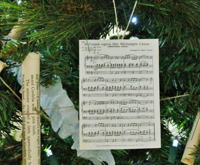 Sheet Music Vintage Christmas Ornament | www.knickoftime.net