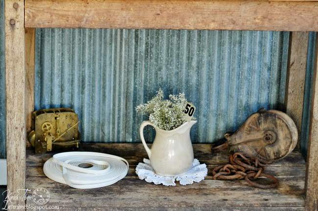 Antique Decor in a Farmhouse Guest Room | www.knickoftime.net
