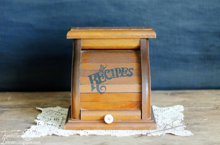 Vintage Wooden Recipe box with DIY Chalkboard Photography Backdrop via Knick of Time @ knickoftimeinteriors.blogspot.com