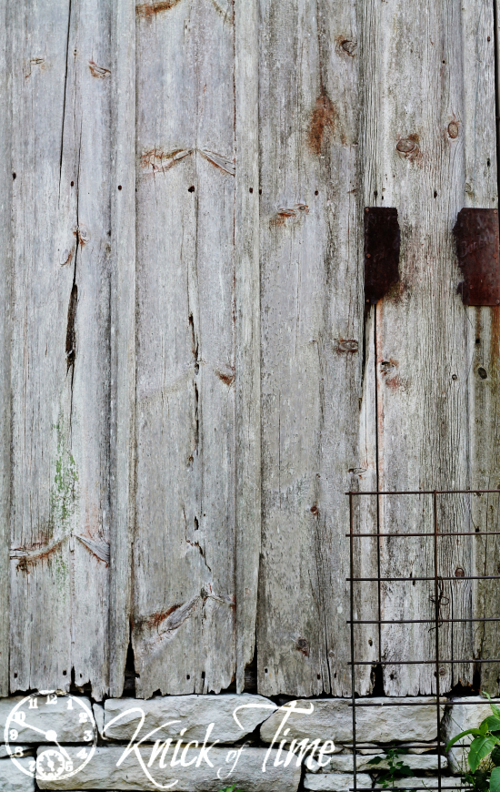 Rustic Old Barn Photo Backdrop via Knick of Time