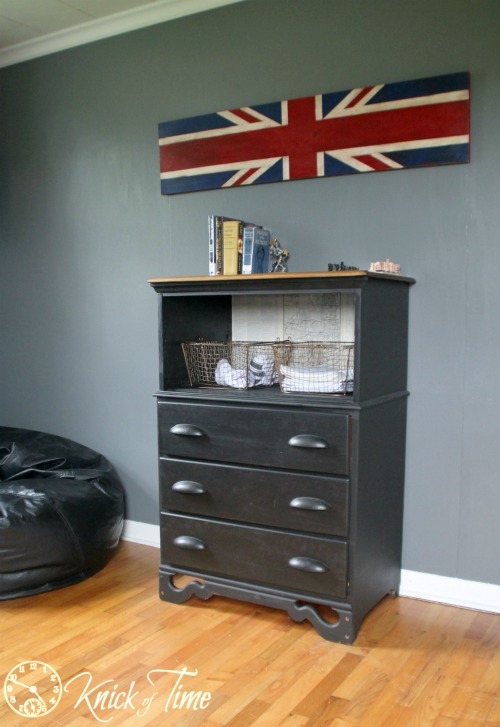 Upcycled Dresser Shelf via Knick of Time