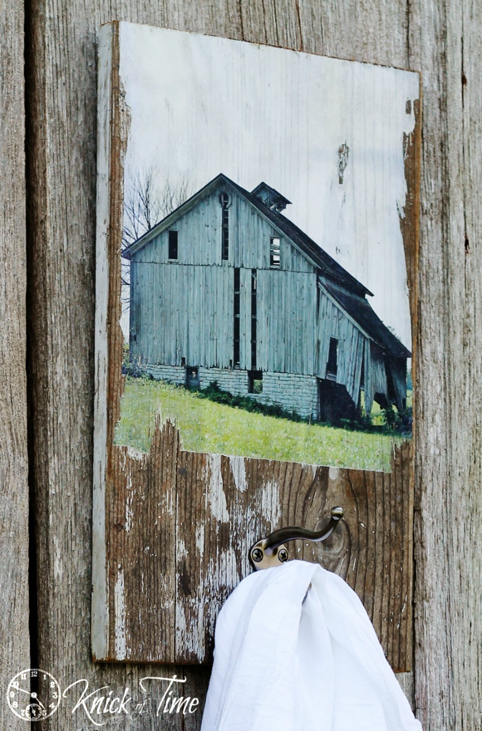 Turn An Old Barn Photo Reprint Into A Salvaged Wood Wall