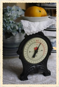 Knick of Time Tuesday #44 {Vintage Style Link Party}