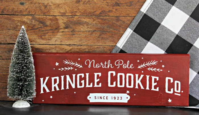 North Pole Kringle Cookie Co. Chalk Couture Knick of Time