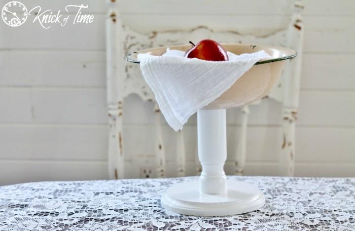 enamelware bowl pedestal stand