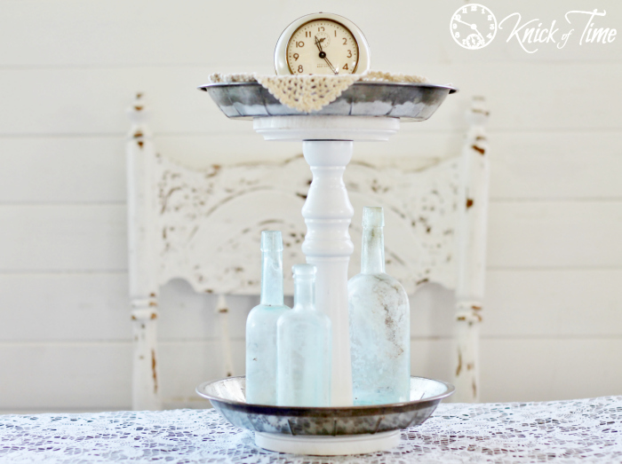 Repurposed Metal Pie Pans Tiered Stand | Turn Old Junk into Fabulous Farmhouse Decor |via www.knickoftime.net