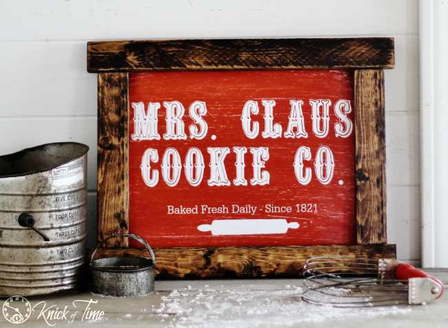 Mrs. Claus free printable and rustic frame tutorial | www.knickoftime.net