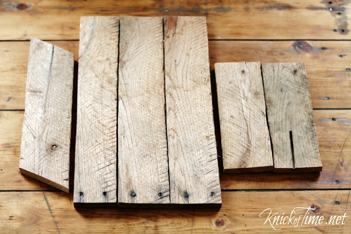 Diy barn door wall cabinet via knickoftimenet for Barnwood pieces