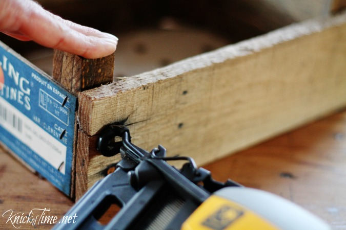 build a wooden crate