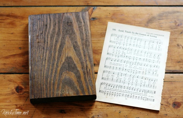 hymn page wall hook