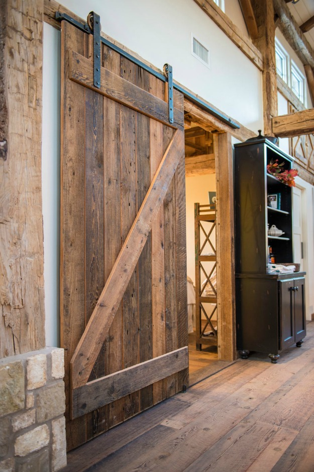 DIY Barn Door Wall Cabinet via KnickofTimenet