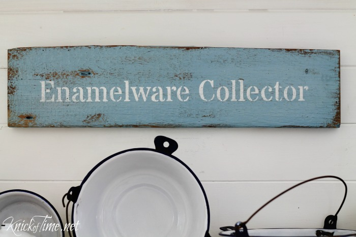 how to paint an antique sign with valspar chalky finish paint