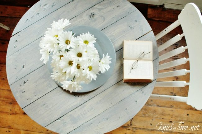 How to make a farmhouse style cable spool table | www.knickoftime.net