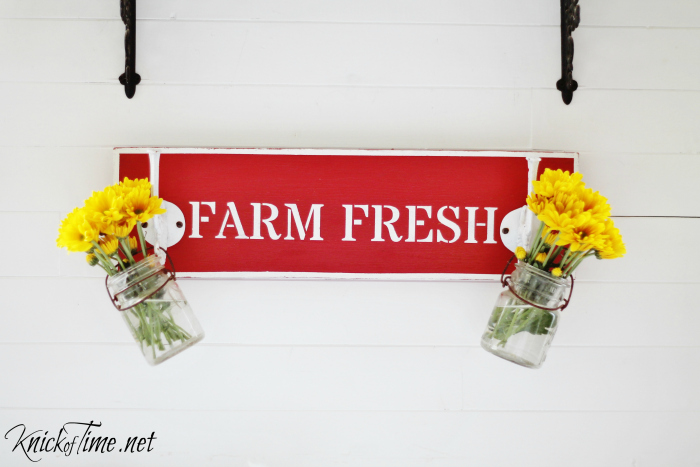 red fresh flowers sign