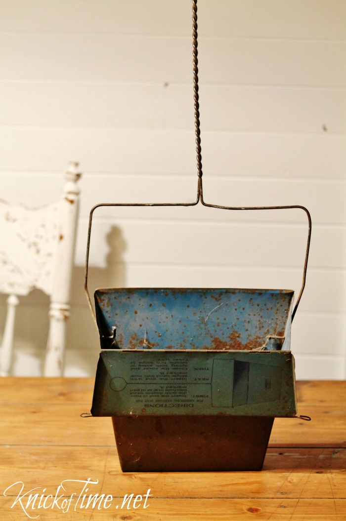 repurposed vintage dustpan