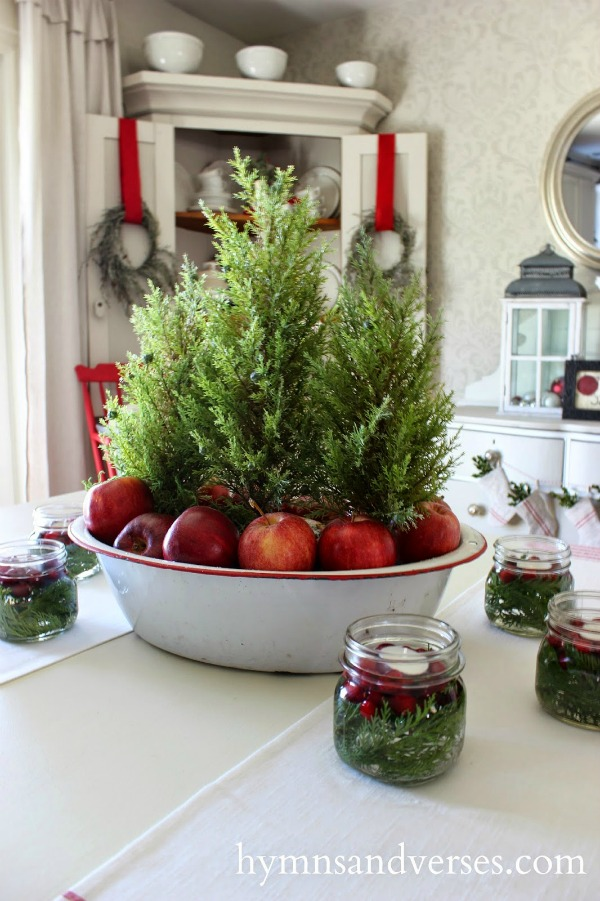 Farmhouse christmas decor you pinspire me for Apples decoration for home