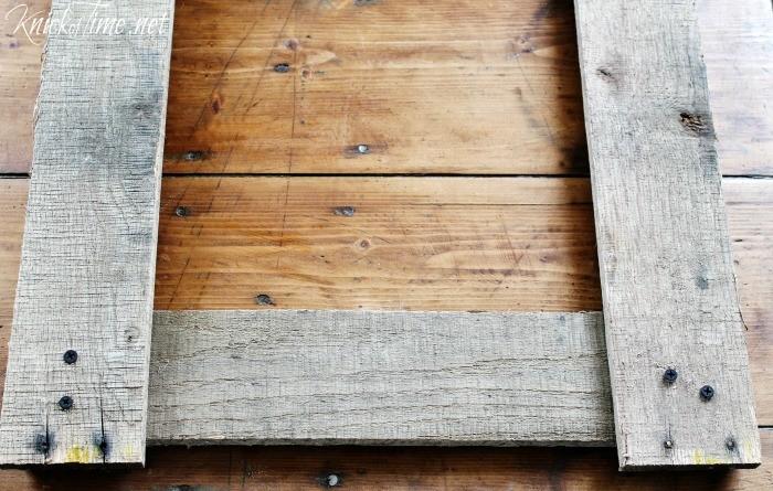 DIY pallet wood frame