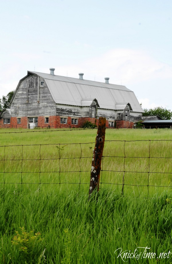 farmhouse barn