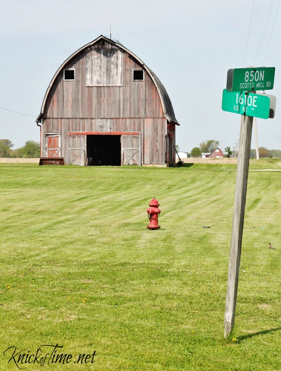 country crossroads barn