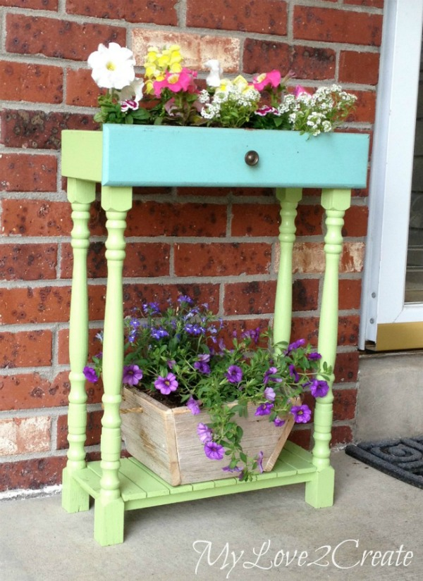 repurposed drawers garden projects