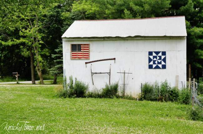 Flag Display in Repurpose Antique Window #KnickOfTime #patriotic #flag #repurposed #window  | www.knickoftime.net
