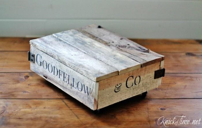DIY Mini Factory Cart from Pallet Wood | www.knickoftime.net