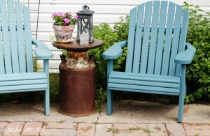 How to make a farmhouse milk can patio table | www.knickoftime.net