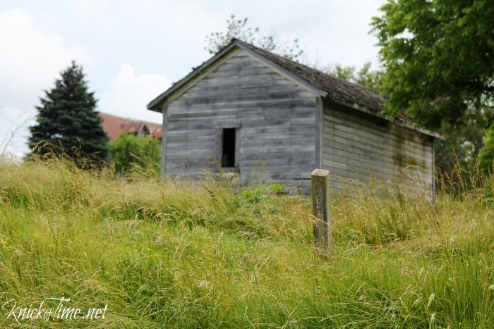 old wooden shed via Knick of Time