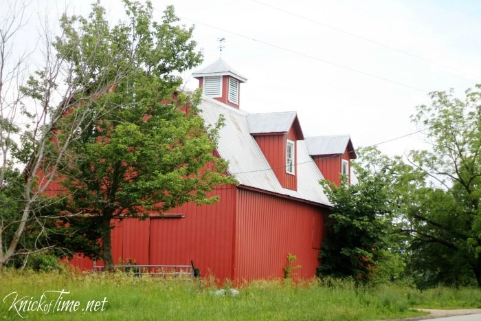 Old Red Barn with Weather Vane via KnickofTime.net and AFarmhouseDay.com