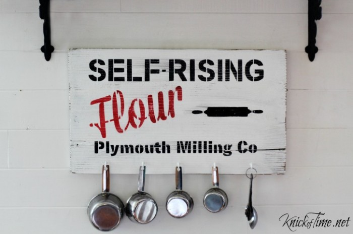 farmhouse decor baking center sign