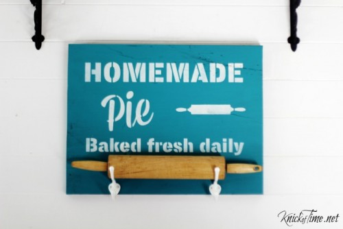 rolling pin holder pie sign