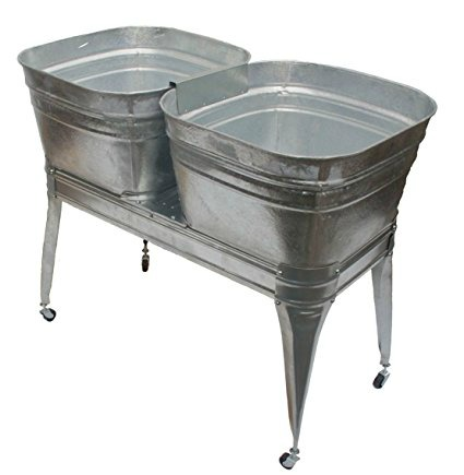 Galvanized metal wash tubs - 20+ Ways to Use Metal in Farmhouse Decor - www.knickoftime.net
