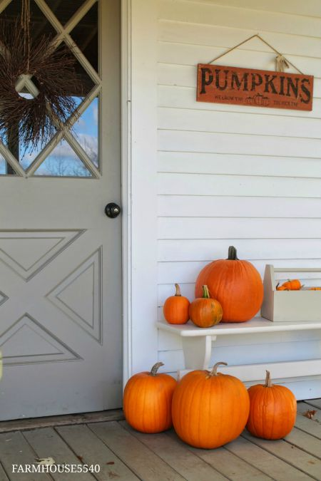autumn porch decor Farmhouse Friday - KnickofTime.net