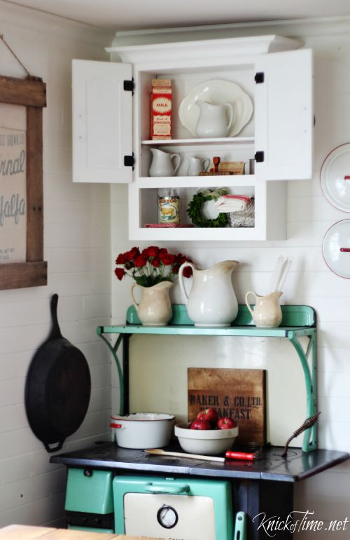 white kitchen cabinet - KnickofTime.net