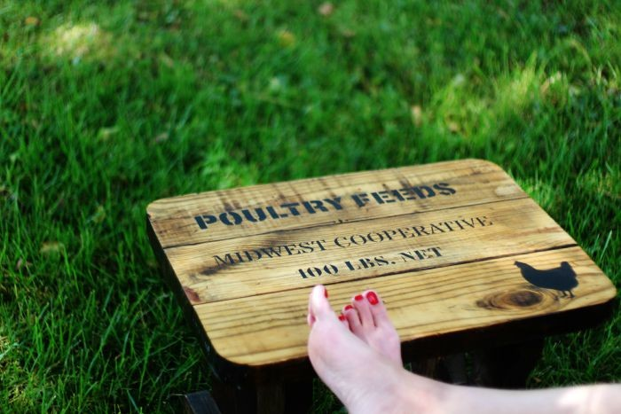 farmhouse stencil on rustic bench via Knick of Time.net