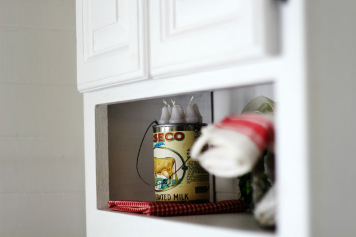 farmhouse hanging tin can with cow label - KnickofTime.net