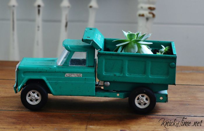 structo toy truck