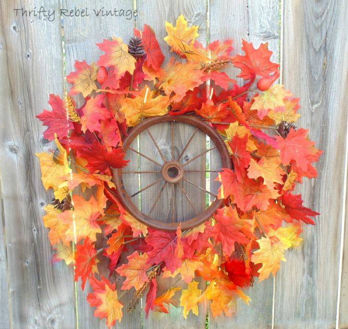 RepurposeWheel Wreath autumn decor - Vintage Inpiration Party at KnickofTime.net