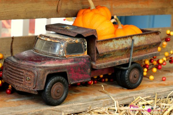 vintage toy truck with pumpkins - featured at KnickofTime.net