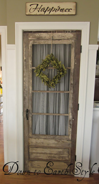Repurposed Antique Door Farmhouse Decor - KnickofTime.net