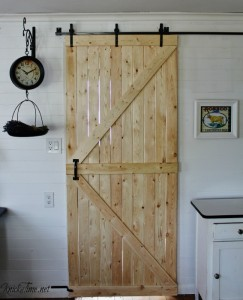 DIY Barn Door - KnickofTime.net