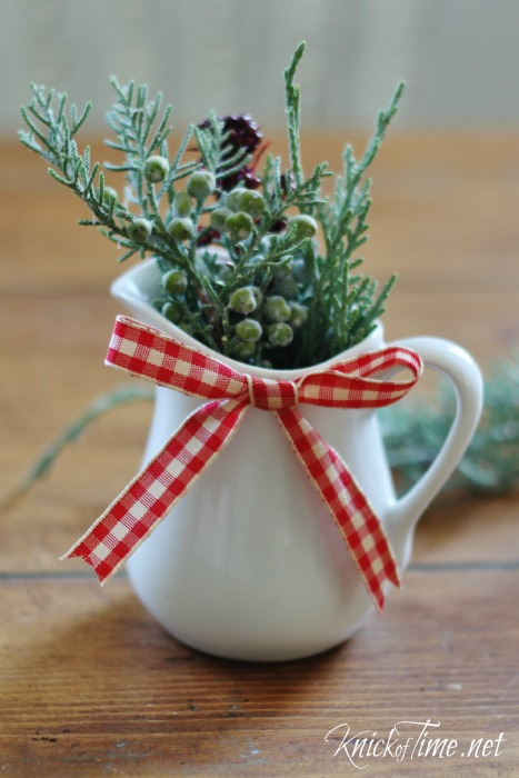 Farmhouse Christmas Decor - KnickofTime.net