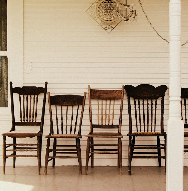antique pressed back chairs farmhouse decor - KnickofTime.net