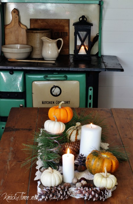 Rustic Table Fall Centerpiece - KnickofTime.net