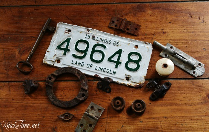 rusty bits and pieces for sign