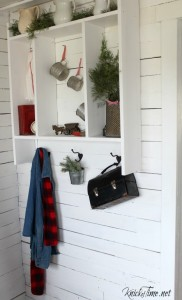Farmhouse Christmas Entryway KnickofTime.net