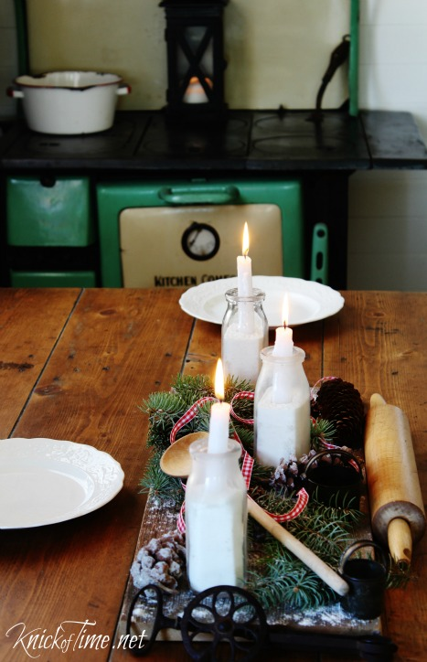 Country Christmas farmhouse table centerpiece - KnickofTime.net