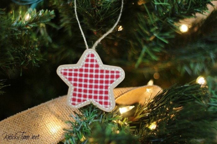 Gingham applique pen stitched Christmas ornaments - KnickofTime.net